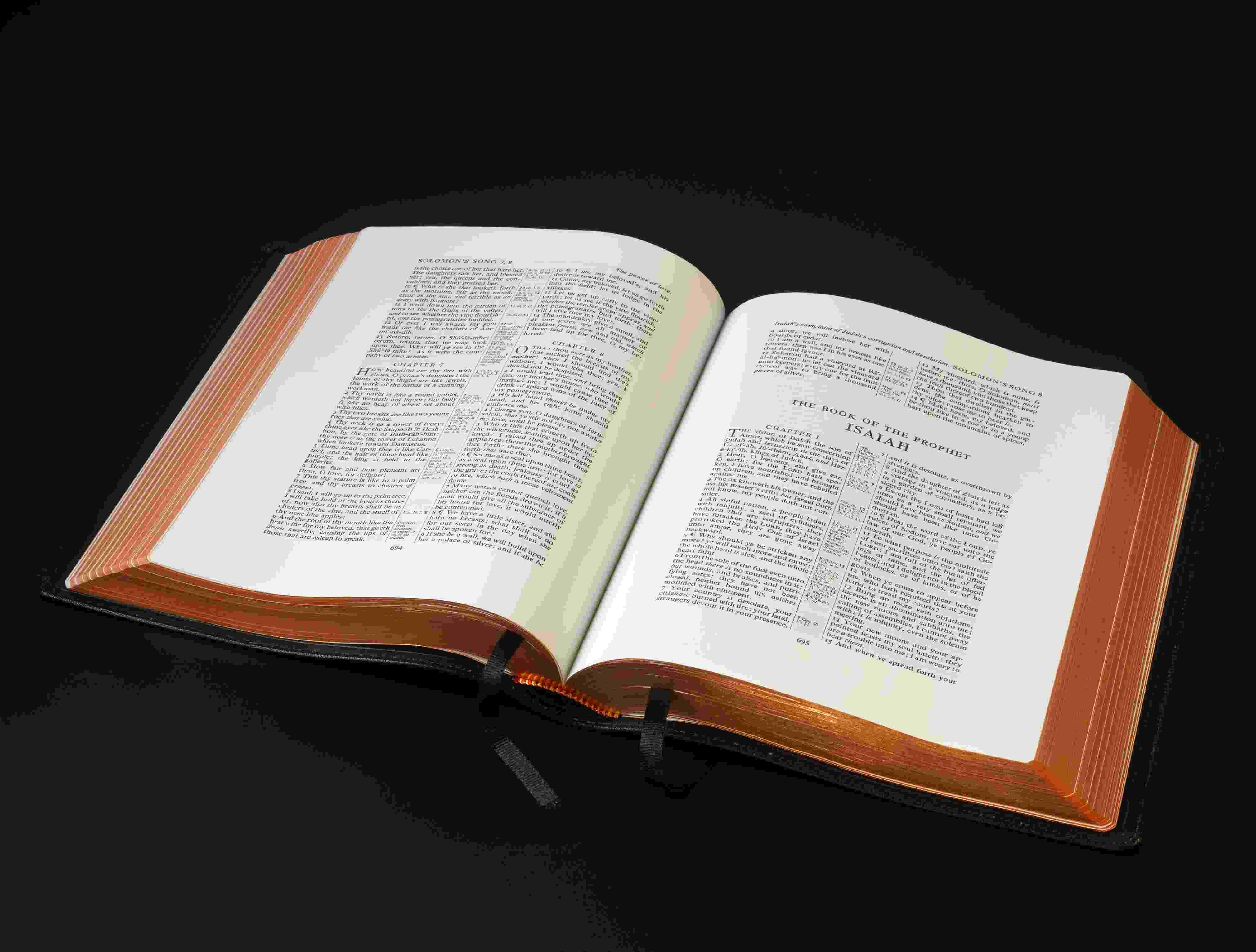 Colour book edges - C0229b920c8abf35e2503775a33762f1_f881278 D26713296de2fcd889250856eedd5ed8_f881282 Wide_margins